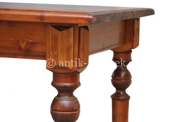 Jídelní stůl - detail