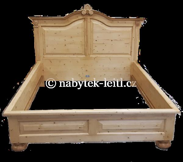 Zdobená smrková postel
